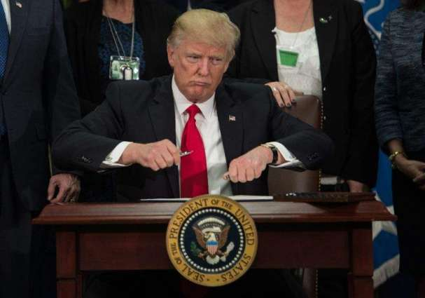 Trump signs order to start Mexico border wall project