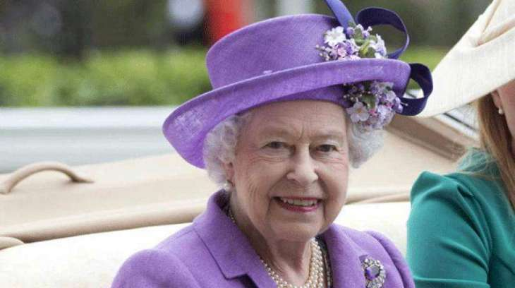 Queen Elizabeth back on duty after cold
