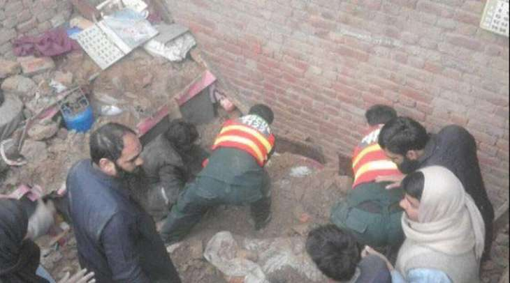 Five killed in Gujranwala roof collapse
