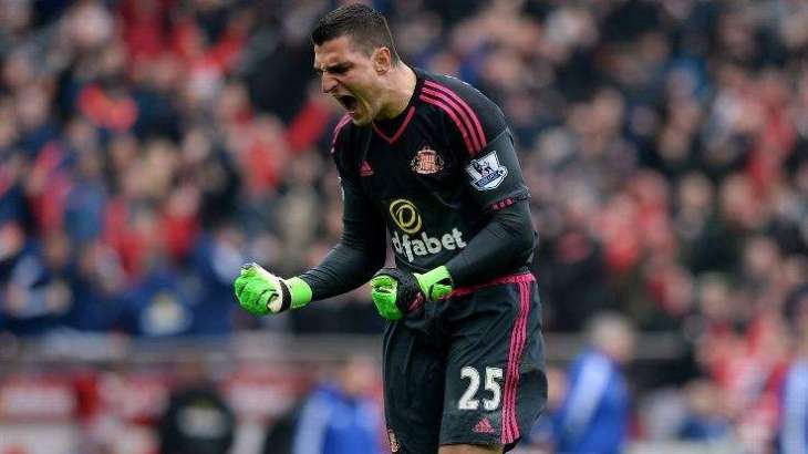 Football: Moyes buys familiar faces to boost Sunderland survival bid