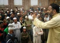 Kashmiri martyrs' blood will not go waste: Waza