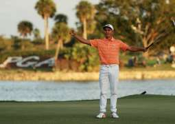 Fowler closes out Honda Classic victory