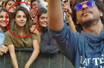 بالی ووڈ دے کنگ خان دی سیلفی وچ موجود کُڑی دی سوشل میڈیا اُتے دھم