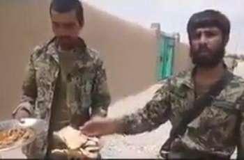 بھارتی جواناں مگروں ہن افغان فوجیاں دی وی حکومت ولوںغیر معیاری کھانا ملن دی ویڈیو سوشل میڈیا اُتے وائرل