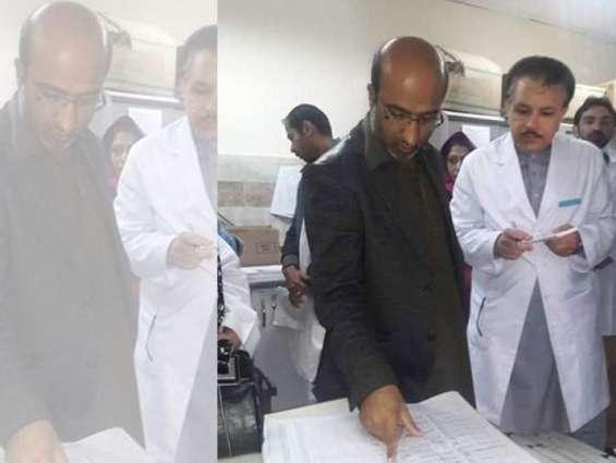 Secretary health inaugurates solar system at hospital in Hub