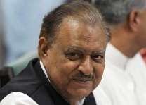 الرئيس الباكستاني: التنمية والاستقرار في البلاد مرهون بالديمقراطية