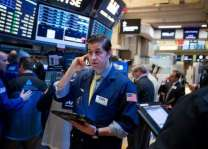 European stocks grind lower before key US healthcare vote