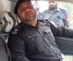 Policeman reciting Naat viral on web