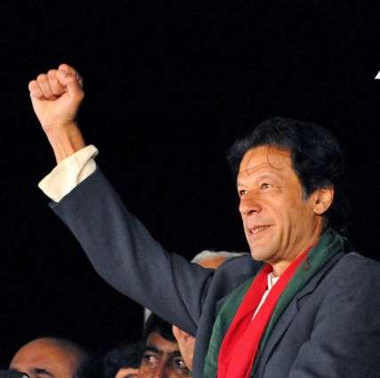 شریف برادران جیل توں باہر رہ کے الیکشن جتن دیاں کوششاں کر رہے نیں: عمران خان