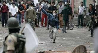 مقبوضہ کشمیر اٹی بھارتی فوج انا کیمپ آ جلہو اٹی کیپٹن ، جونیئر کمیشنڈ افسر آتون اوار 5کارندہ تپاخت، 4ٹھپی فوجی تا حالیت نازرک بھارتی فوج انا 2جلہو گیر آتے تپاخت کننگ نا داوا