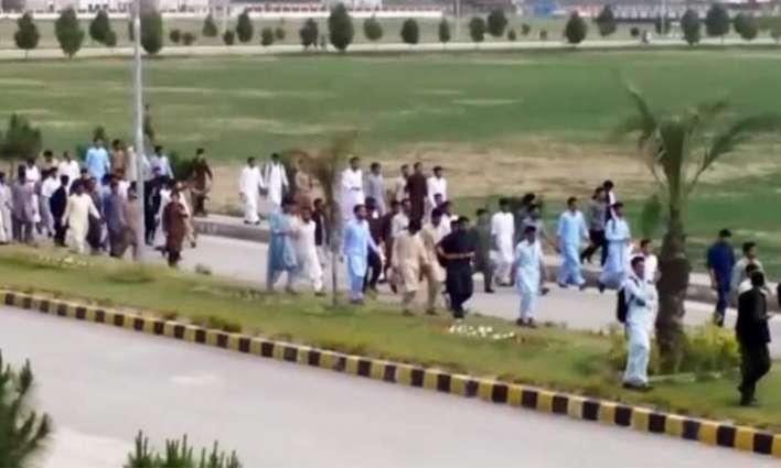 مشال خان دا قتل: 8ملزم جسمانی ریمانڈ اُتے پولیس دے حوالے