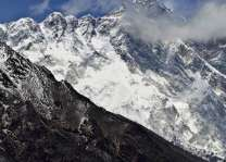 ماﺅنٹ ایورسٹ دی پہاڑی نیڑے زلزلے کارن وڈی چٹان ہیلری سٹیپ ڈِگ گئی