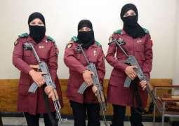 پشاور توں تعلق رکھن والیاں 3بھیناں نے بی ڈی ایس ایلیٹ کمانڈوز ہون دا اعزاز حاصل کر لیا