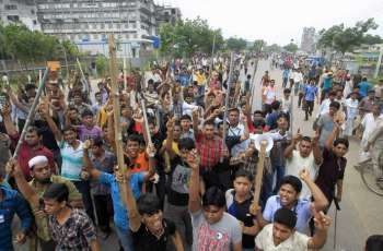 'Panic' in Bangladesh factories as workers collapse in heatwave