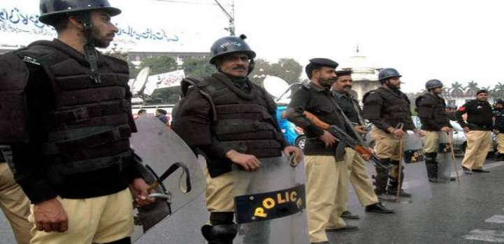 3800 policemen to guard shoppers on Chand Raat, Eid congregations ..