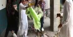 گوجرانوالا: وکھالویاں نے کوڑا چُک کے میئر دے دفتر ساہمنے سُٹ دتا