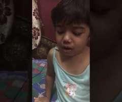 سوشل میڈیا تے اک سہمی ہوئی بالڑی دی ویڈیو وائرل