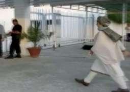 ایم این اے عائشہ گلا لئی پگ پا کے قومی اسمبلی پہنچ گئیاں، ارکان اسمبلی حیران رہ گئے