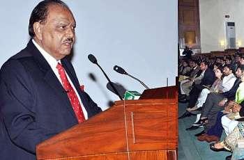 الرئيس الباكستاني يستقبل رئيس هيئة الأركان المشتركة الأردنية