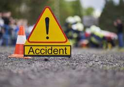 قذافی سٹیڈیم نیڑے پولیس موبائل تے ایمبولینس وچکار ٹکر' 4بندے زخمی