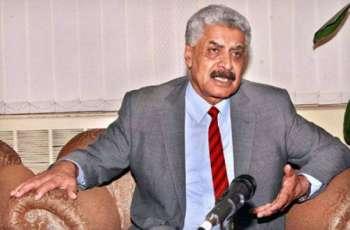 وزیراعظم شاهد خاقان عباسی ملګرو ملتونو كښې ترلاسه شوې موقعې څخه ګټه پورته كړې۔ پاكستان په ټوله نړۍ كښې د ترهګرۍ په ضد جنګ كښې تر ټولو زياتې قربانۍ وركړې دي۔ د برطانيې وزيراعظمې هم ددې قربانيو اعتراف كړې۔ لېفټېننټ جنرال (ر) عبدالقیوم