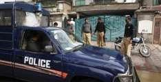 سیالکوٹ:کباباں دی پکوائی دوران دھواں کیوں نکلدا اے؟ پولیس نے کباب ویچن والے خلاف انوکھا مقدمہ درج کر لیا