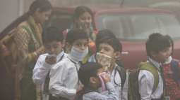 Parents angry as Delhi schools reopen despite smog