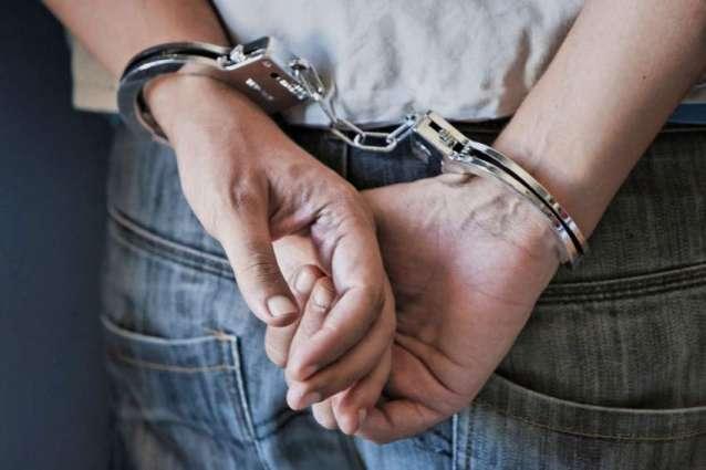 5 drug-peddlers arrested