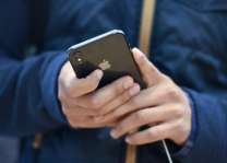 Apple facing slew of Russian lawsuits over slow iPhones