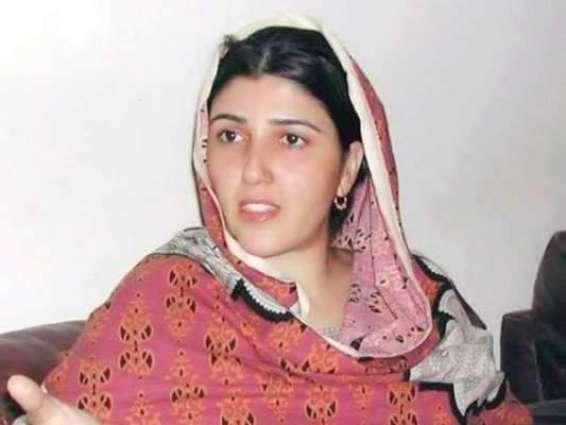 قومی اسمبلی اجلاس: خطاب دی اجازت نہ ملن اُتے عائشہ گلا لئی نے ایجنڈے دیاں کاپیاں پاڑ دتیاں