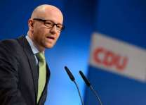 Top official in Merkel's CDU to step down: party sources