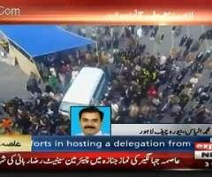 لوکاں دی وڈی گنتی نے عاصمہ جہانگیر دی میت لیجان والی ایمبولینس نوں روک لیا