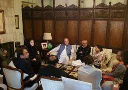 Nawaz, Maryam visit Asma Jahangir's residence to condole with family