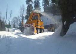 Tourists relieved as blocked routes cleared in Galiyat