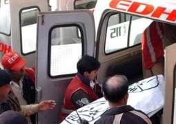 Woman dies, 8 faint due to suffocation in Karachi