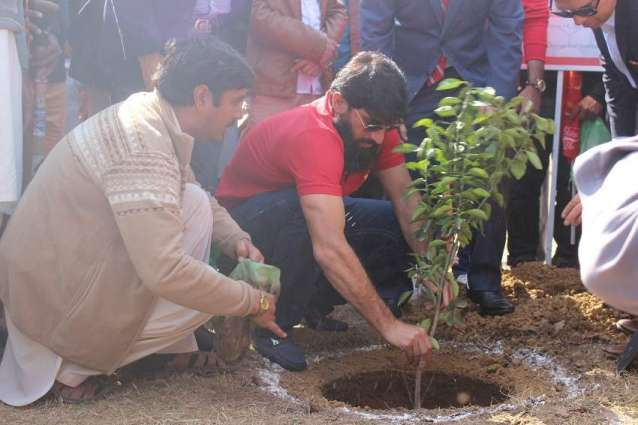 WWF-Pakistan and Islamabad United jointly initiate tree plantation campaign