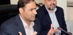 وزیر مملکت برائے توانائی عابد شیر علی نا شمبے ءَ پارلیمنٹ ہاؤس آن پیشن میڈیا تون ہیت و گپ
