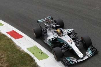 Hamilton seizes pole for Australian F1 GP