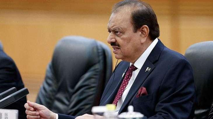 الرئيس الباكستاني يؤكد على ضرورة اتخاذ الخطوات لتصدي ظاهرة رهاب الإسلام