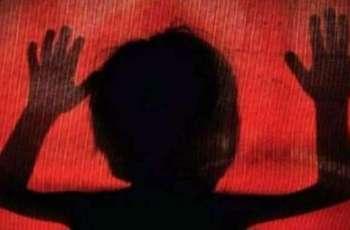 سگے چاچے نے بھتیجے نوں جنسی زیادتی دا نشانہ بنا دتا