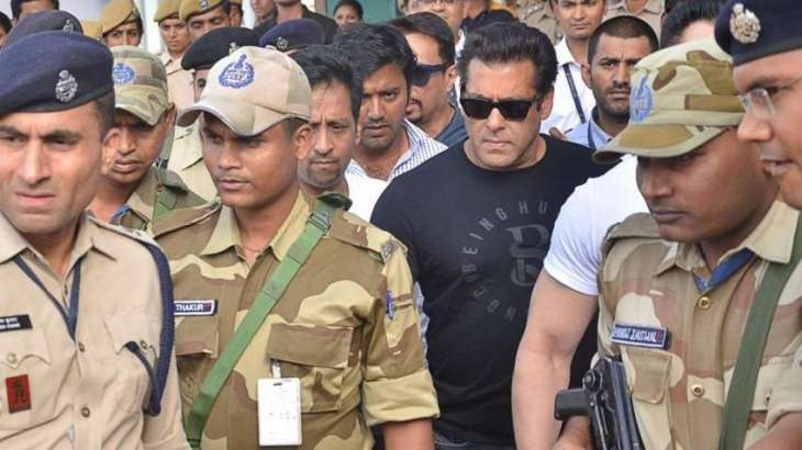 Emotional scenes as Bollywood's Salman Khan arrested from courtroom