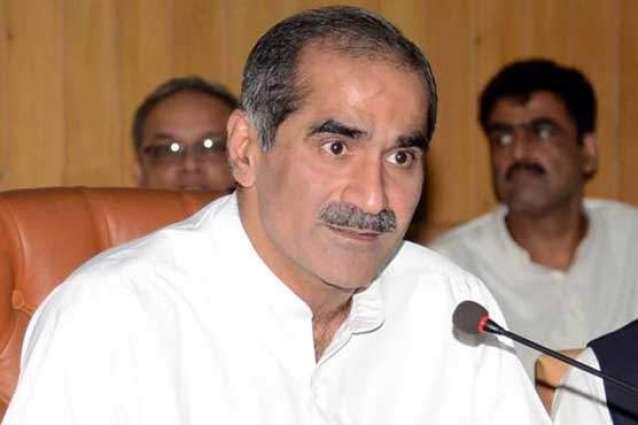 وزير السكك الحديدية الباكستاني يؤكد على ضرورة احترام السياسيين في البلاد