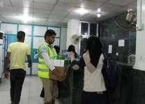 مركز الملك سلمان للإغاثة يواصل لليوم السابع توزيع وجبات إفطار الصائم في محافظة عدن