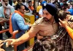 Sikh cop is being celebrated for his act of saving Muslim man from Hindu mob