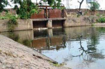 A minor girl drowns to death in Hyderabad