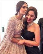 Sonam Kapoor, Mahira Khan share love at Cannes