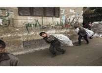 الفصائل الفلسطينية في سوريا تدعو (الأونروا) إلى التخفيف من معاناتهم في المخيمات