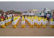 مركز الملك سلمان للإغاثة يواصل توزيع السلال الغذائية للأسر المحتاجة في محافظة الحديدة