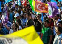 Turks mobilise to ensure fair play in tight poll