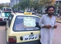 نوجوان ٹیکسی ڈرائیور نے انسانیت دی وڈی مثال قائم کر دتی انسانیت دی خدمت دے جذبے نال بھرپور ٹیکسی ڈرائیور اپنی گڈی وچ مجبور تے بیمار لوکاں نوں مفت بیٹھاندا اے